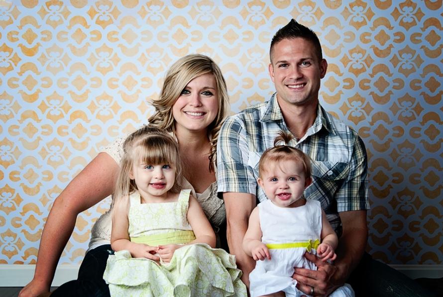 Pics Photos - Foto Keluarga Studio Photo